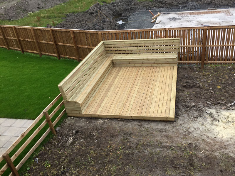 Decking ideas uk cheap wooden decking with wirework for Garden decking ideas uk